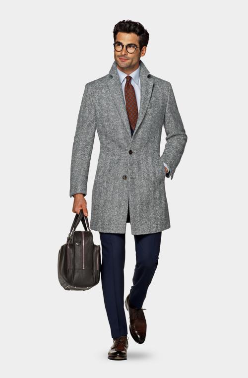 淺灰色外套