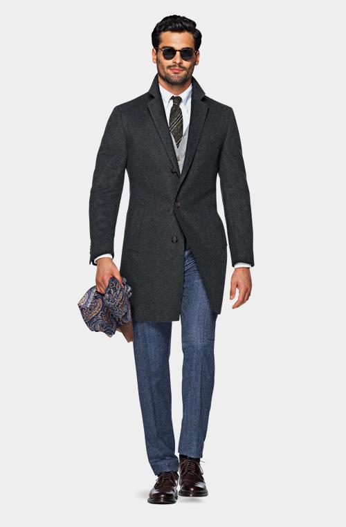 深灰色外套